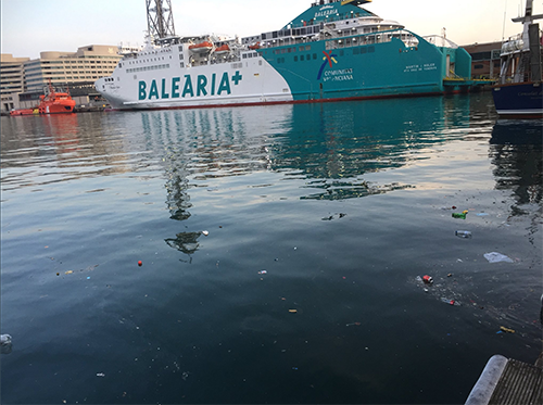 Plastic evident in the waters at Barcelona port